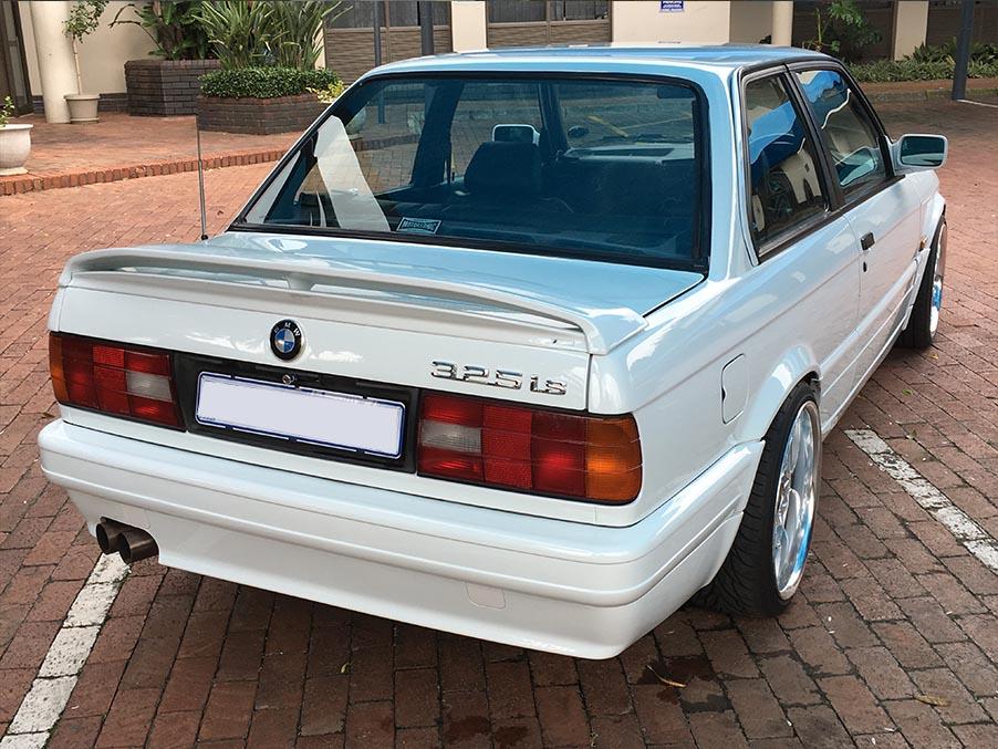 BMW E30 325iS