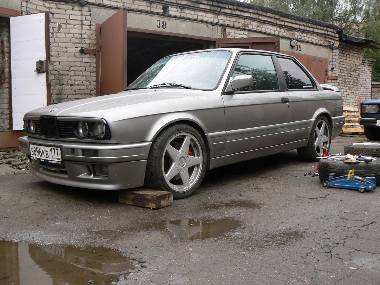 BMW E30 330 Mtech2