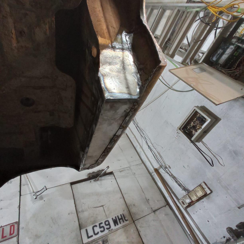 Карман и часть арки восстановлены